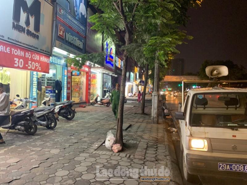 Xử lý nghiêm tình trạng lấn chiếm vỉa hè, lòng đường ở phố Chùa Bộc