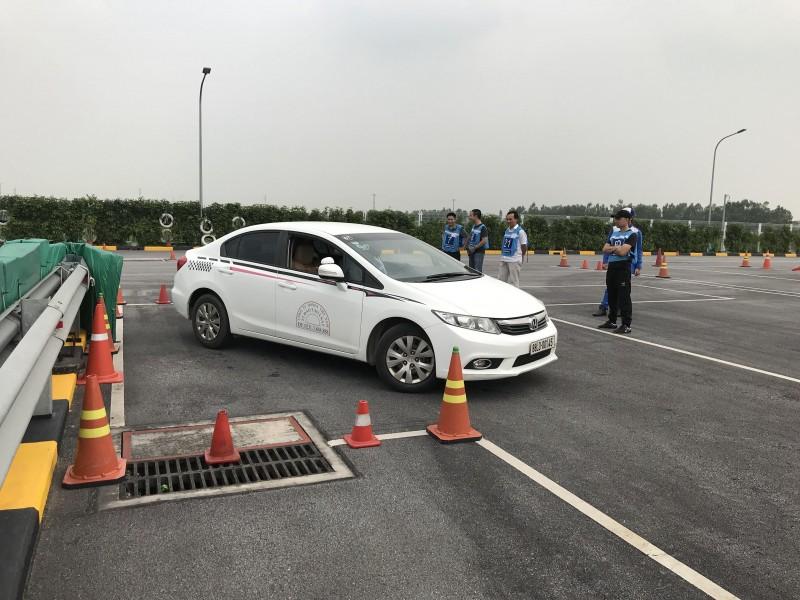 Hà Nội tạm dừng đào tạo, sát hạch bằng lái xe vì dịch Covid-19