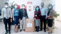 Quận Bắc Từ Liêm: Tặng 100 bộ đồ bảo hộ y tế cho ngành Y tế quận