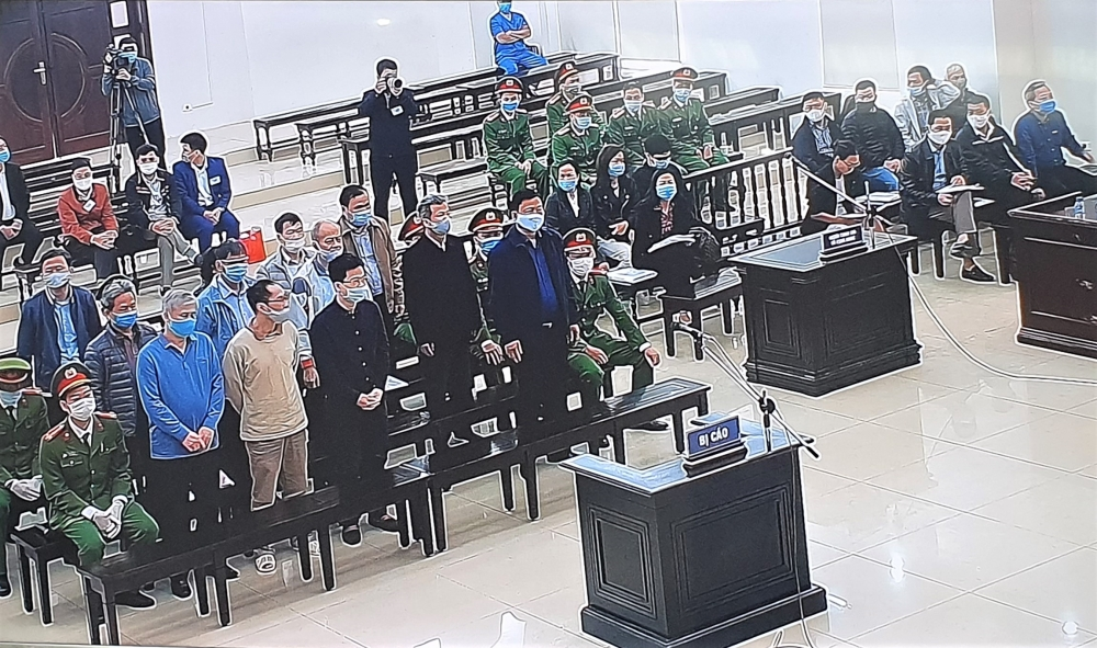 Bị cáo Đinh La Thăng phản bác cáo trạng, không hài lòng với lời khai của Trịnh Xuân Thanh