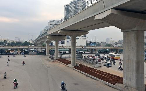 Hà Nội cấm đường Cầu Giấy – Xuân Thủy để thi công đường sắt trên cao