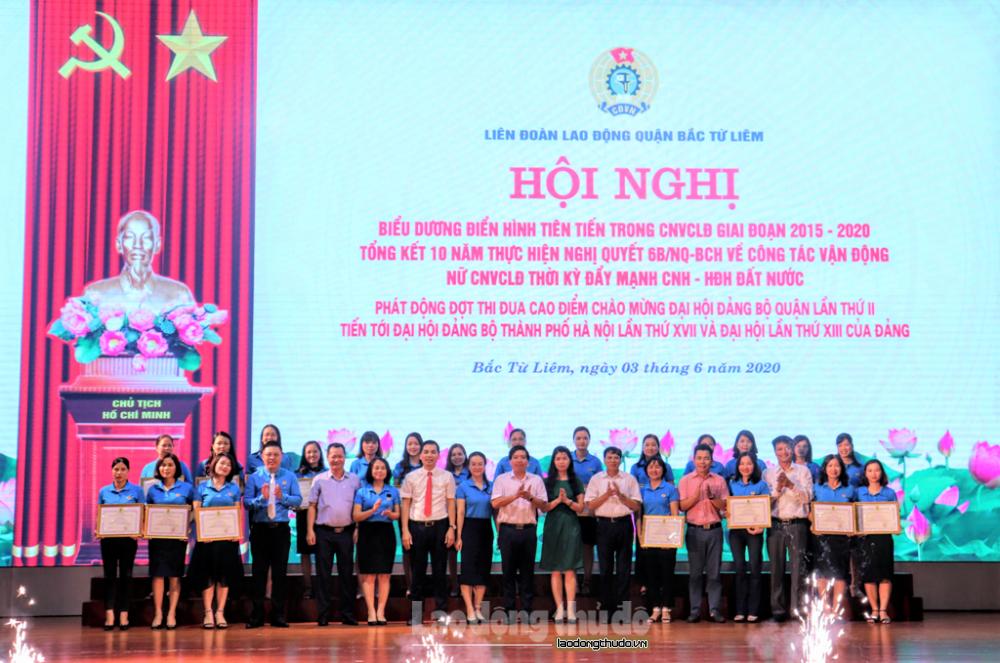 """Khen thưởng 46 tập thể, cá nhân trong phong trào thi đua """"Giỏi việc nước - Đảm việc nhà"""""""