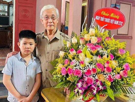 Bác sĩ 78 tuổi xứ Nghệ viết đơn xin đi chống dịch ở Bắc Giang