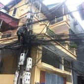 Mạng nhện dây điện ở ngõ Đại An, phường Văn Quán, Hà Đông