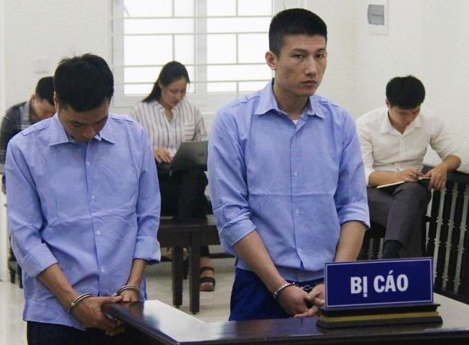 Xét xử 2 cựu công an nhận hối lộ