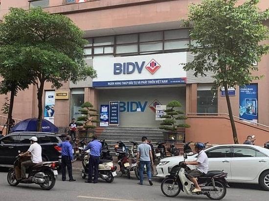 Nổ súng, cướp hàng trăm triệu đồng tại ngân hàng BIDV