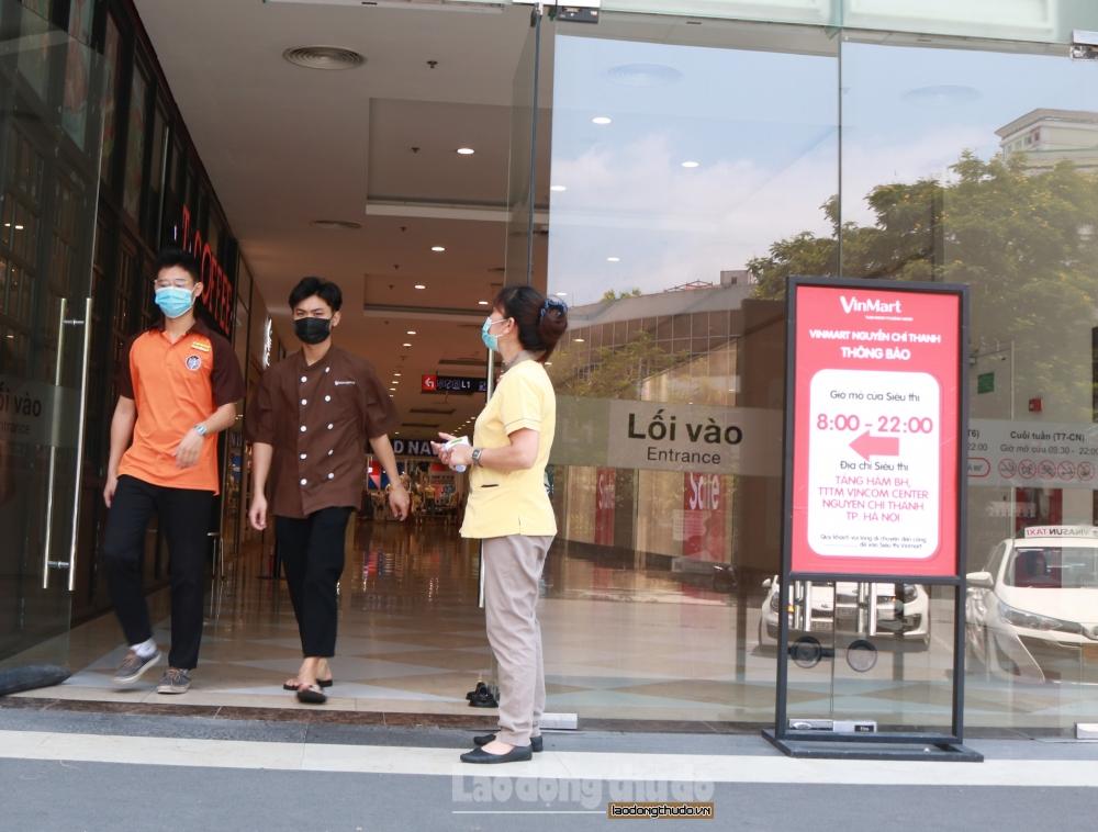 Phòng, chống dịch tại trung tâm thương mại, siêu thị: Đa dạng cách làm hay