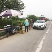Bán hàng rong trên cầu Thanh Trì: Hiểm họa tai nạn giao thông