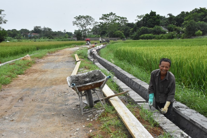 Huy động sức dân vào công cuộc xây dựng nông thôn mới