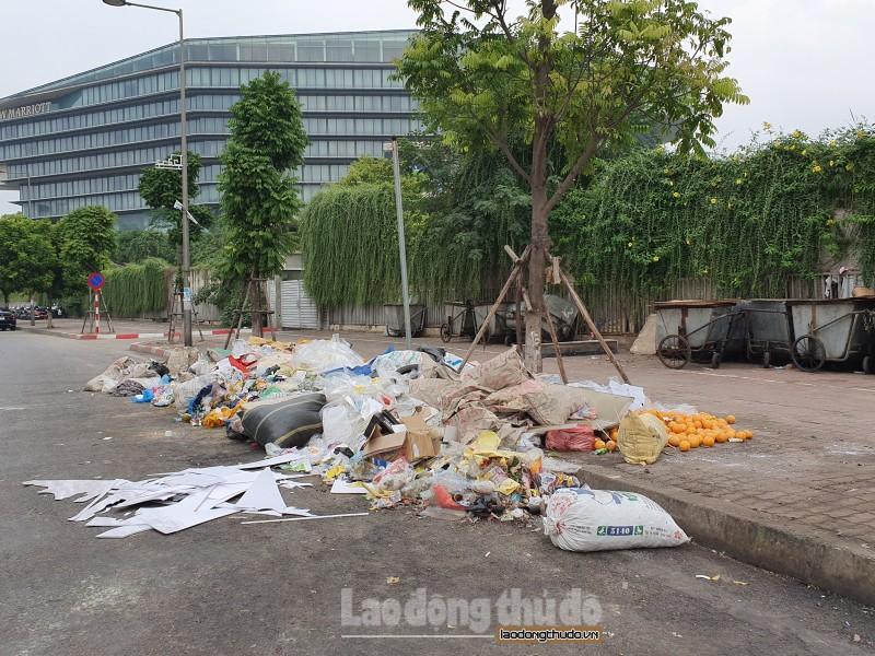 Xử lý nghiêm việc đổ rác sai quy định