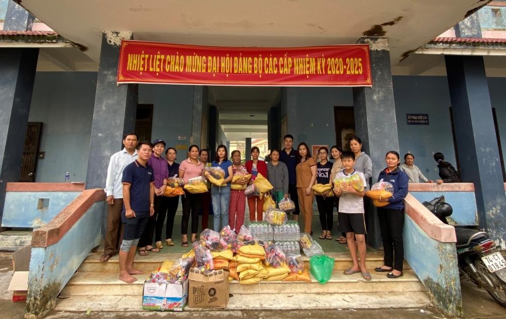 Trao yêu thương tới người dân vùng lũ Quảng Trị