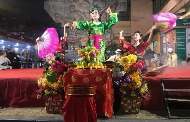 """""""Hà Thành 36 phố phường"""" – Hồi sinh âm nhạc truyền thống"""