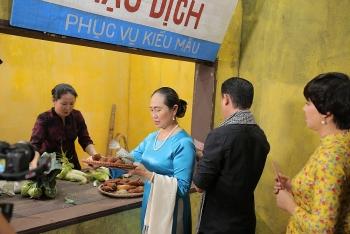 Nhà báo Tuyết Nhung hồi ức về bữa cơm nhà và căn bếp tối
