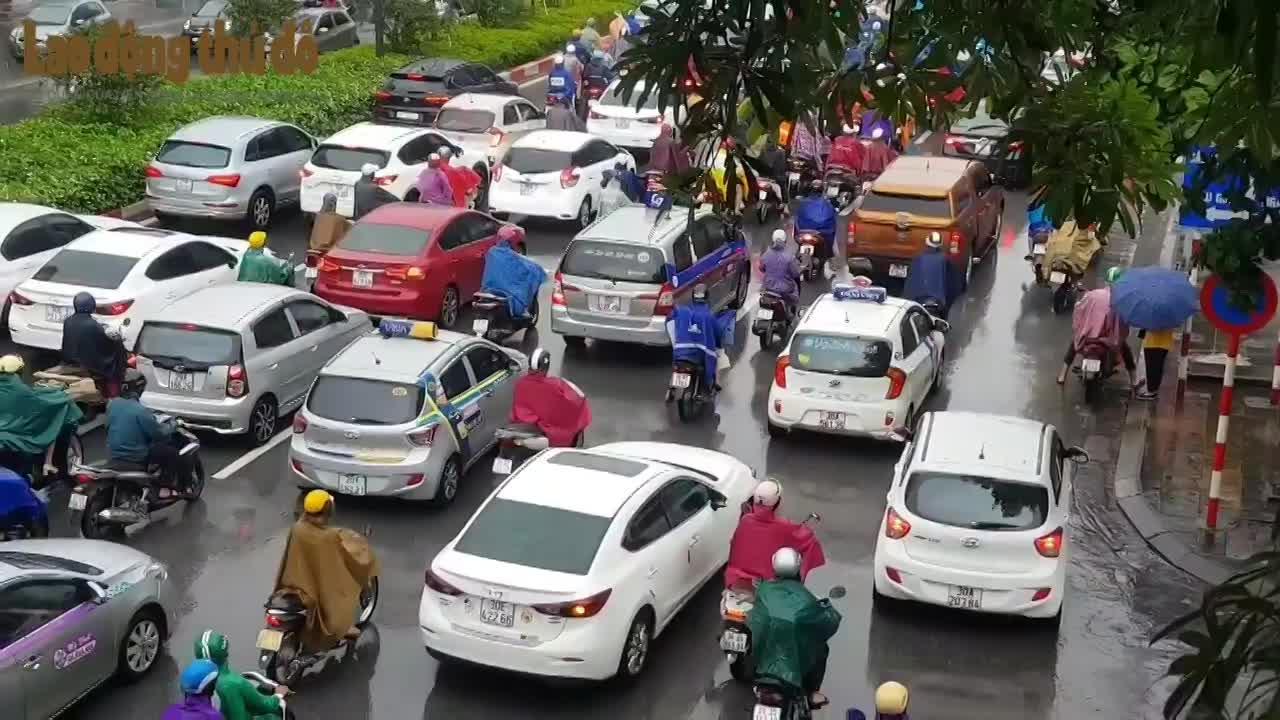 Thu phí vào nội đô Hà Nội: Nên hay không?