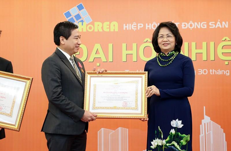 Chủ tịch Hung Thinh Corp được tặng Huân chương lao động Hạng Ba