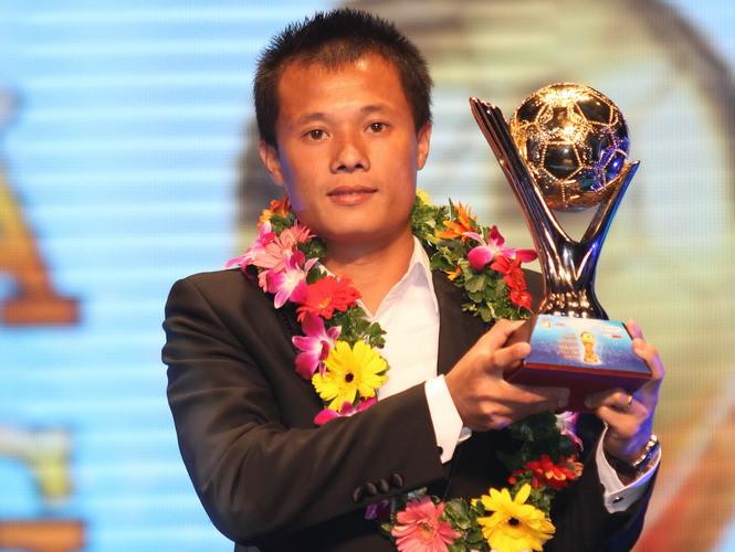 Thành Lương lần thứ 4 đoạt Quả bóng Vàng Việt Nam