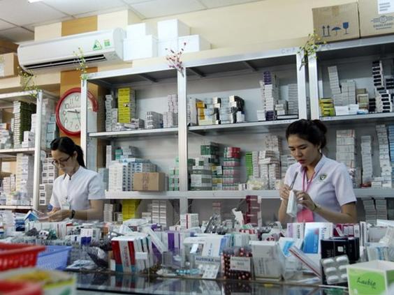 Tránh tình trạng tăng giá thuốc dịp Tết Nguyên đán 2017