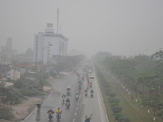 Chuyên gia lý giải hiện tượng sương mù dày đặc ở Hà Nội