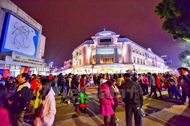 Thủ đô Hà Nội vững tin tiến bước vào Năm mới 2018