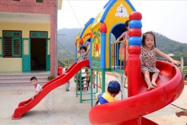 Cho phép trẻ 3 tháng tuổi được học mầm non: Lợi gia đình, khổ giáo viên