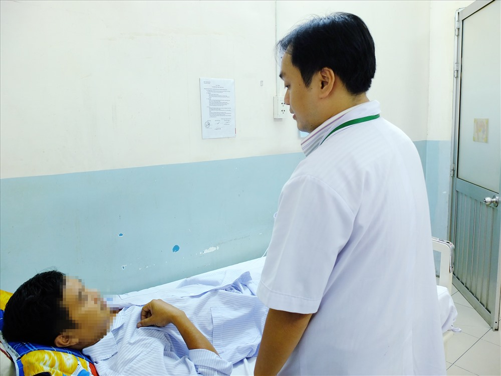 3 người bị thủng ruột do nuốt tăm xỉa răng, xương cá