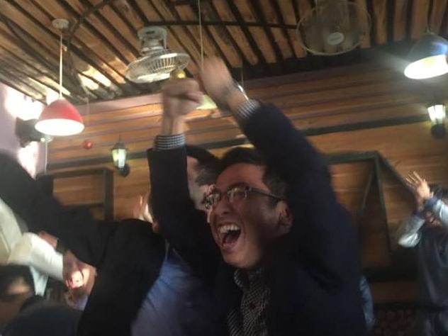 'Gia cố' cổ họng để cổ vũ U23 Việt Nam trong trận chung kết