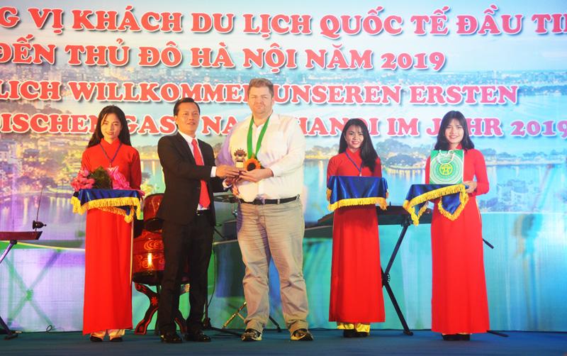 Những vị khách 'xông đất' du lịch Việt Nam năm 2019