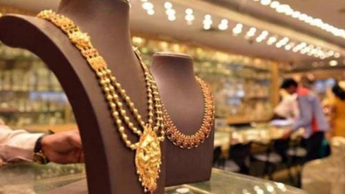 Giá vàng hôm nay: Trong và ngoài nước chênh nhau gần 800 nghìn đồng