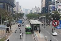 Xử lý vi phạm lấn làn buýt BRT: Cần có giải pháp triệt để