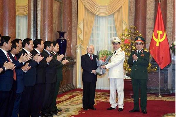 Bộ trưởng Công an Tô Lâm và Chủ nhiệm Tổng cục Chính trị QĐND Việt Nam được phong quân hàm Đại tướng