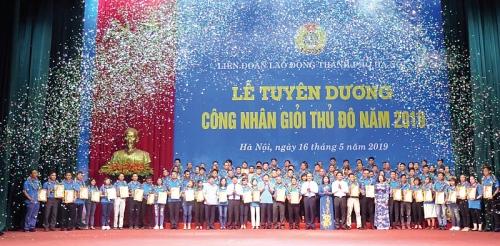 Công nhân giỏi Thủ đô đón Tết