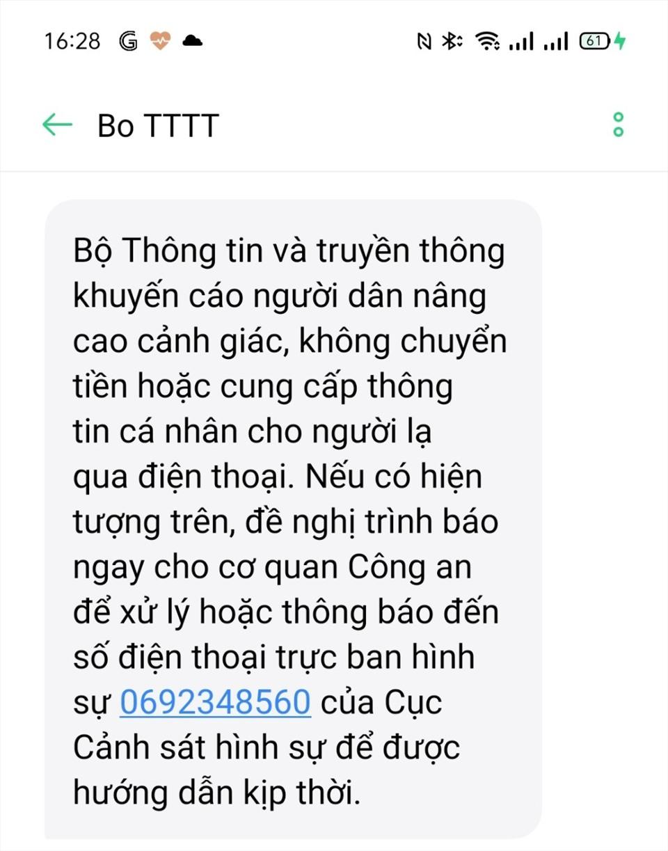 Bộ Thông tin và Truyền thông gửi khuyến cáo đến người dân qua tin nhắn. Ảnh chụp màn hình: Thế Lâm.