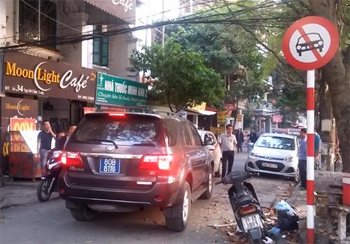 Điều khiển xe đi vào đường cấm phạt hơn 1 triệu đồng