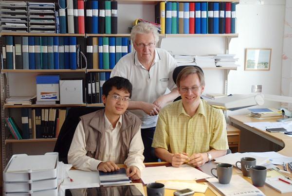 Phá kỉ lục 41 năm qua, giáo sư trẻ nhất Việt Nam sinh năm 1982