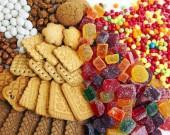Bộ Y tế khuyến cáo cảnh giác với bánh kẹo màu sắc quá rực rỡ, bắt mắt