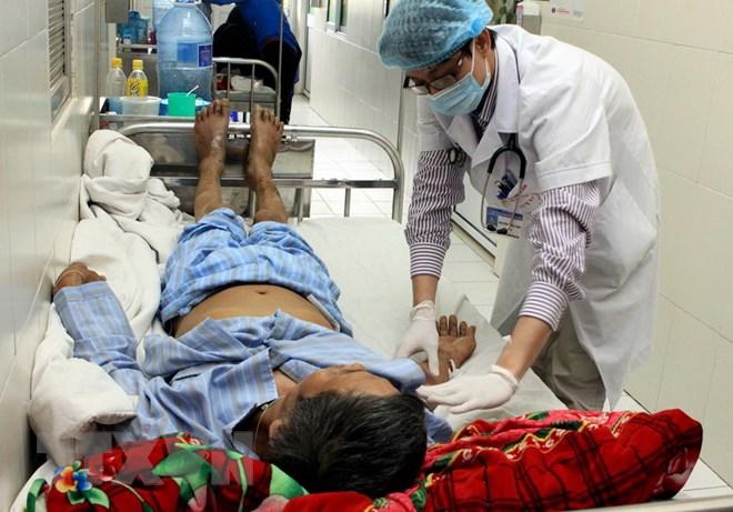 Ăn tiết canh lợn dịp Tết, một bệnh nhân phải nhập viện cấp cứu