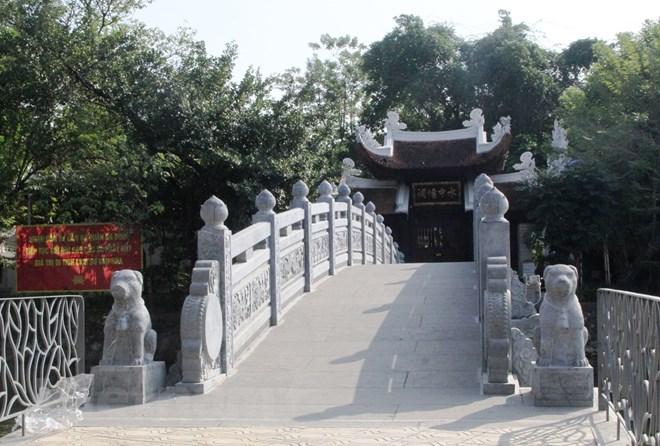 Hà Nội: Kỳ thú ngôi đền Cẩu Nhi trên đảo nhỏ trong hồ Trúc Bạch