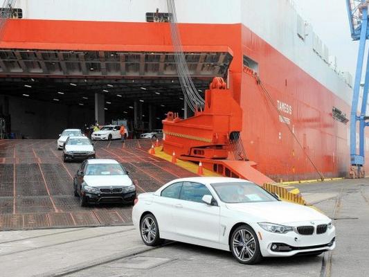 Chiếc ôtô duy nhất được nhập khẩu trong tuần Tết Nguyên Đán