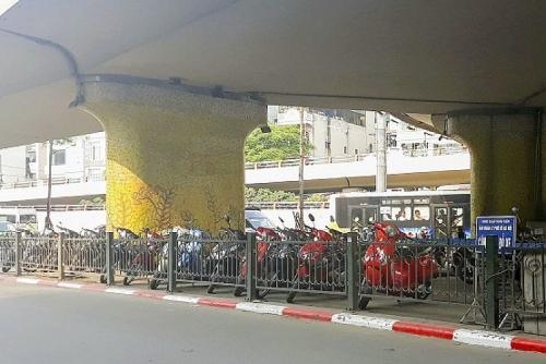 Đề xuất các bãi trông xe: Vẫn loay hoay tìm giải pháp