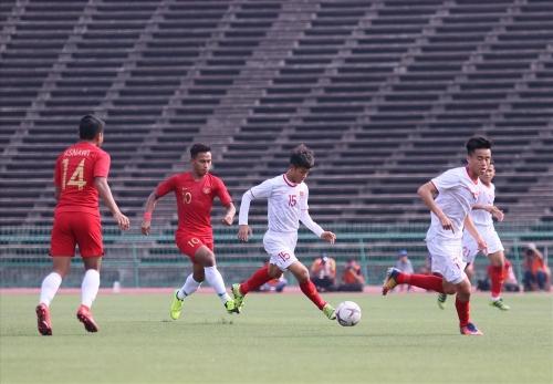 Việt Nam gặp chủ nhà Campuchia trong trận tranh hạng ba