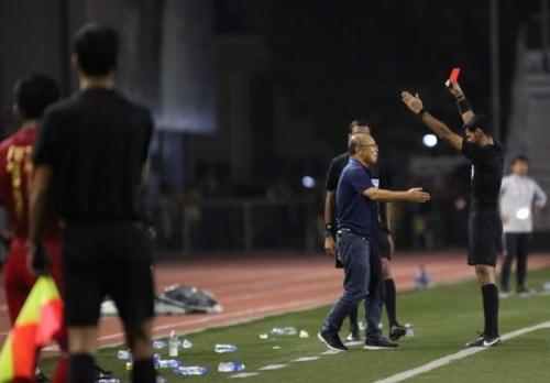 Án phạt của AFC: Thầy Park có thể bị treo giò tại AFF Cup 2020