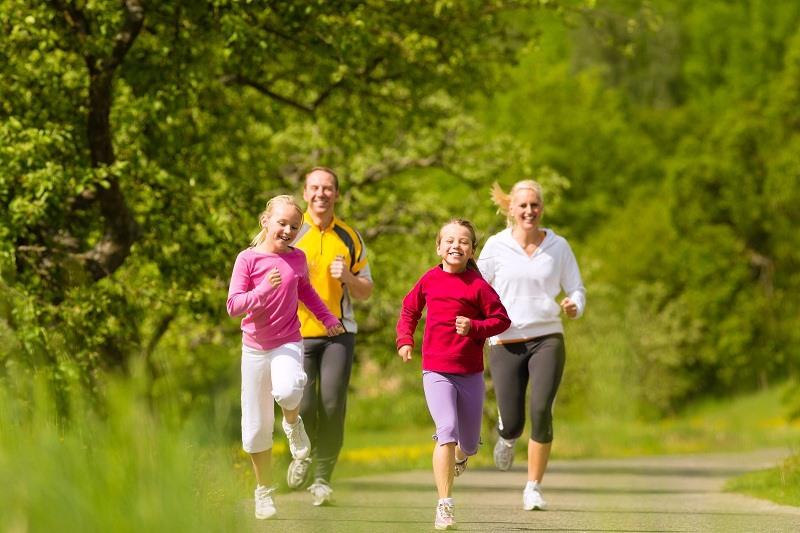 Để tránh tăng cân ngày Tết, việc tập luyện là không thể thiếu. Ảnh: CMH.