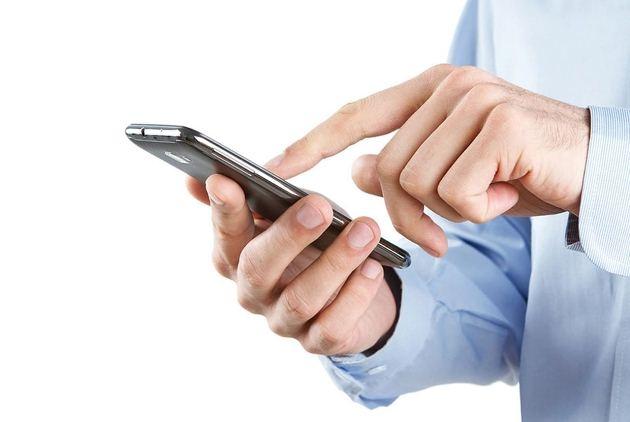 Từ 1/5, cước gọi điện thoại liên mạng giảm 20%