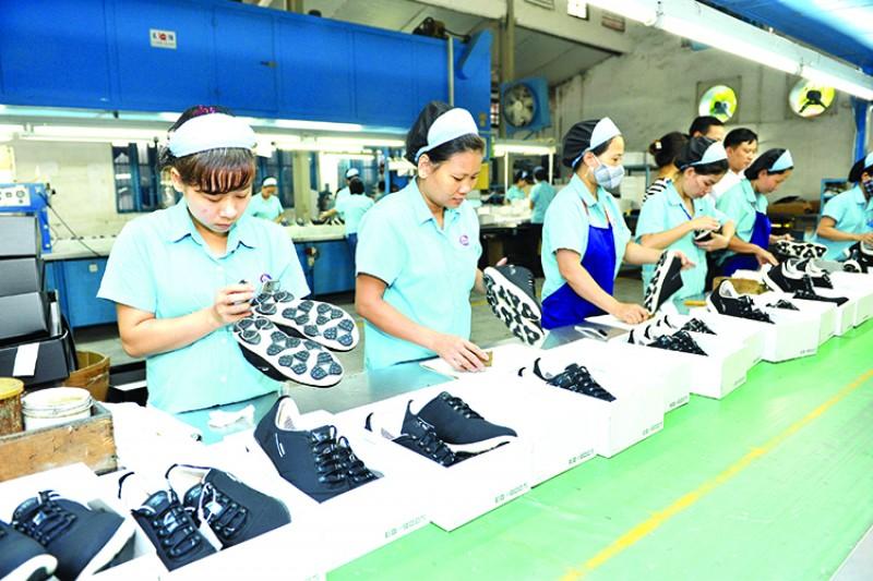 Phấn đấu đạt kim ngạch xuất khẩu da giầy 20 tỷ USD năm nay: Có thành hiện thực?