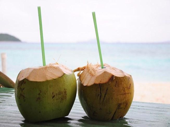 Uống nước dừa vào thời điểm nào là tốt nhất?