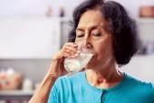 Người lớn khỏe mạnh có cần uống sữa?