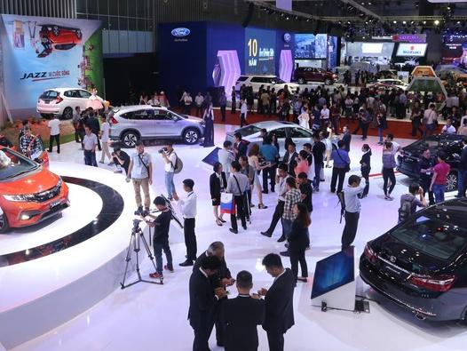 Bất lợi kép kéo sức mua ôtô giảm mạnh