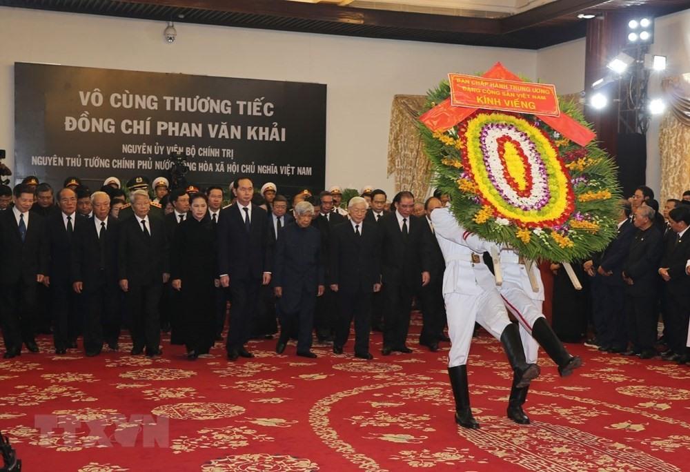 17.000 người đã đến viếng nguyên Thủ tướng Phan Văn Khải