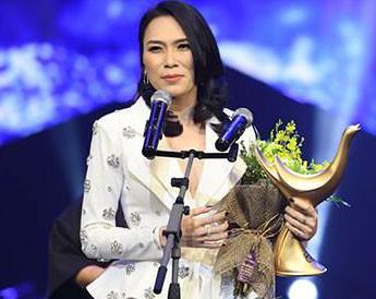 Mỹ Tâm giành cú đúp Ca sĩ của năm và Album của năm