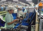 Thiết thực các hoạt động chăm lo cho lao động nữ